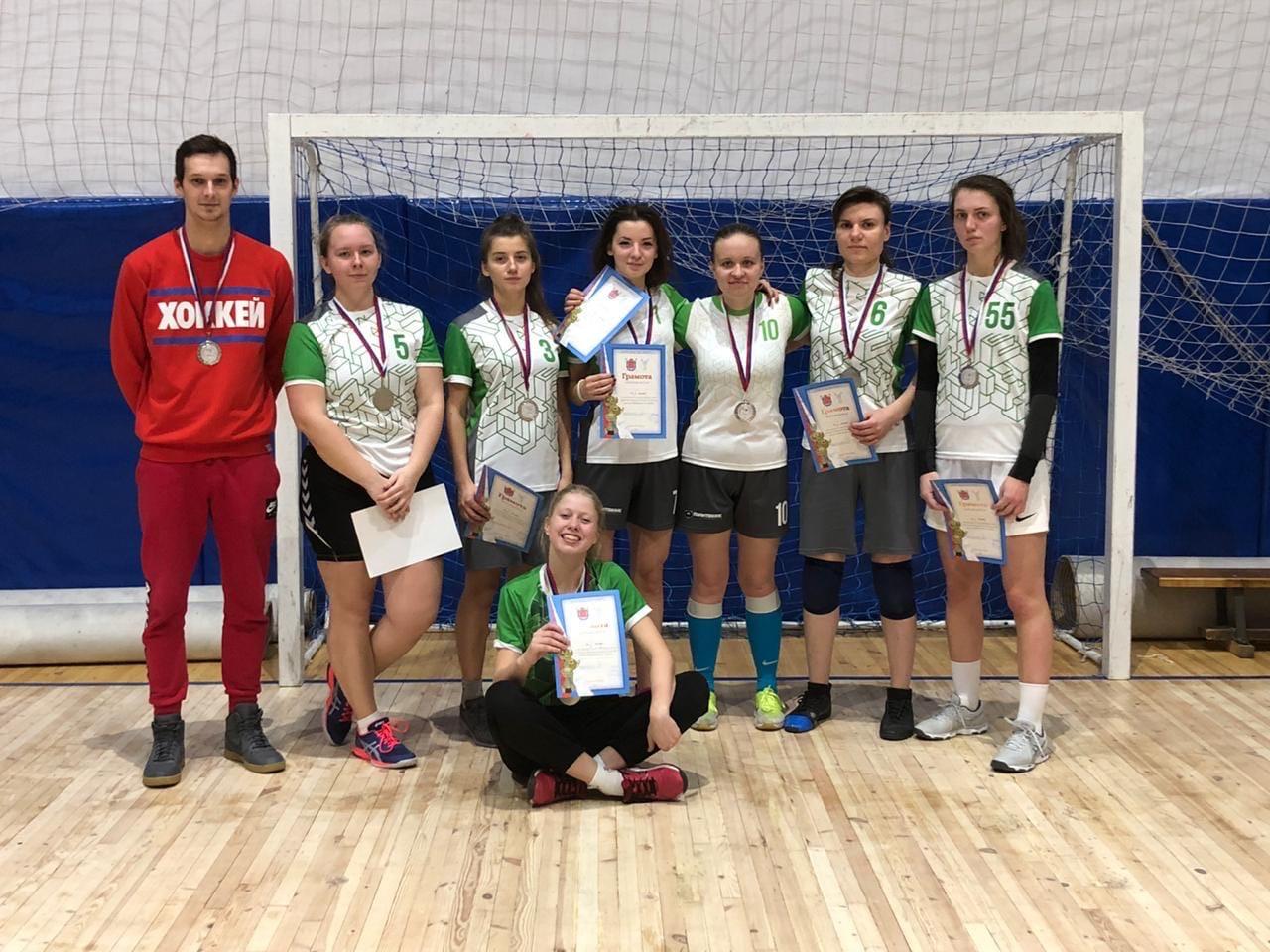 Женская сборная по гандболу взяла серебро!